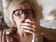 Amatør oralsex video med store sædafgang på hendes ansigt
